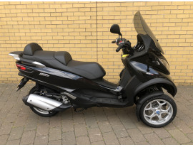 2017 PIAGGIO MP3 300 LT BUSINESS - ONLY 39 MILES!