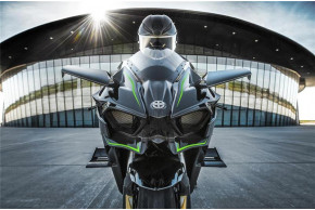 Kawasaki announces pricing and availability of Supercharged Ninja H2 and Ninja H2R