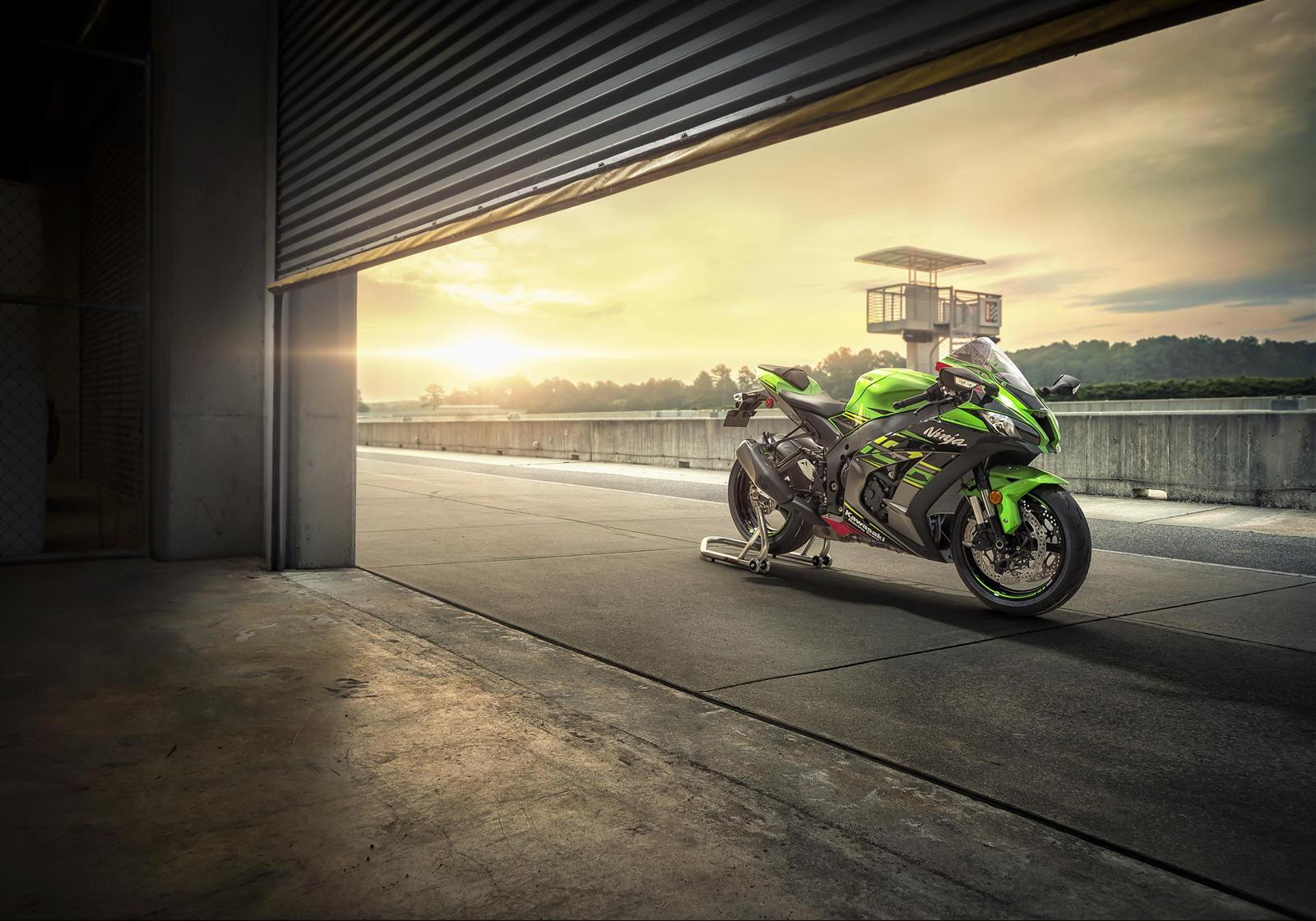 Kawasaki Delivers A PERFORMANCE PROMISE And European Commitment At Intermot