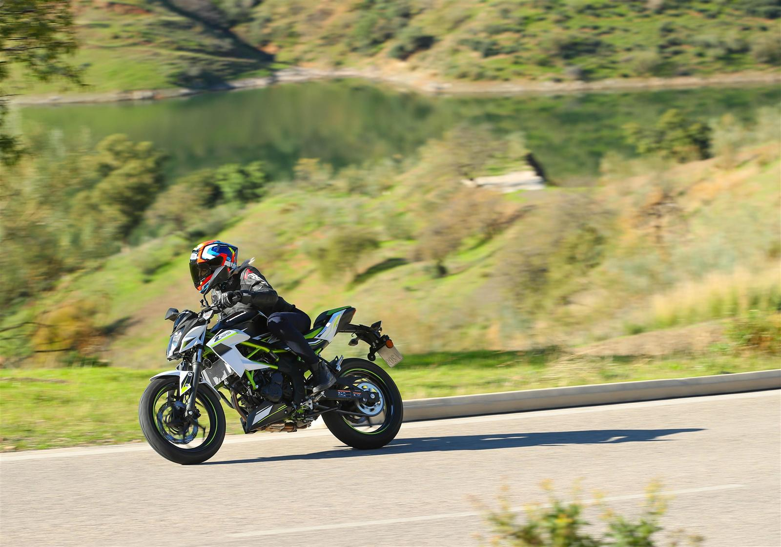 @zoe2104 Takes On Kawasaki's All-new Ninja 125 And Z125